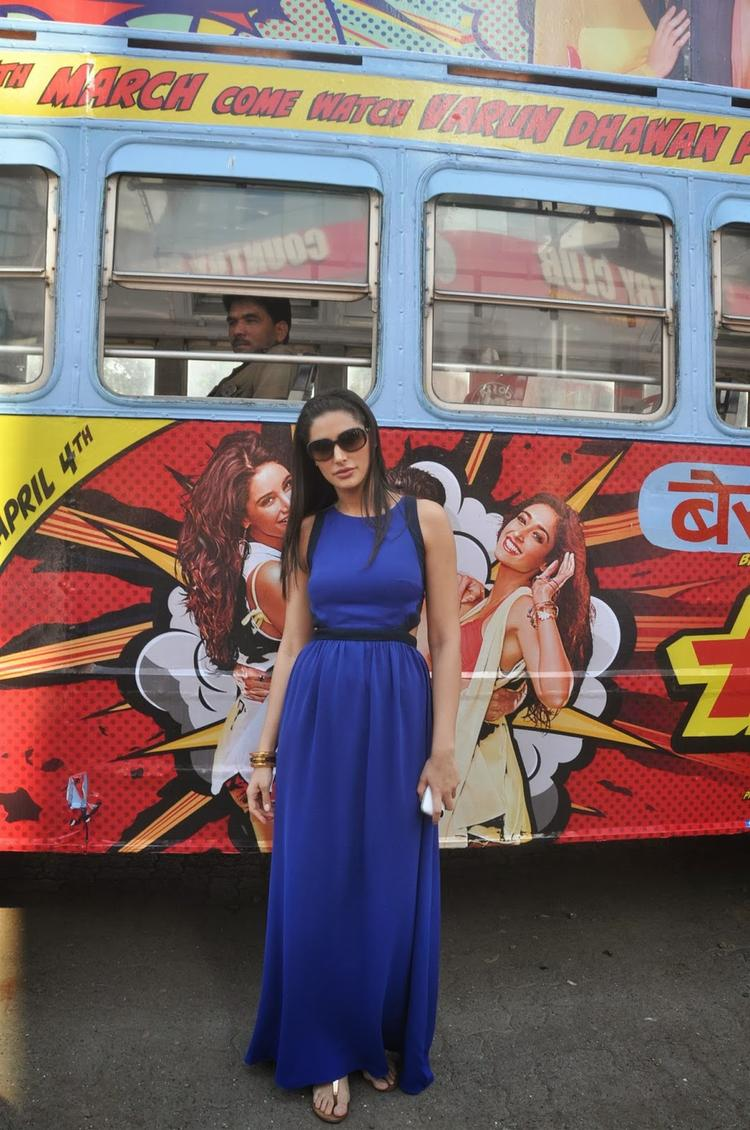 Nargis Fakhri Stylish Look In Blue Gown During The Promotion Of Main Tera Hero On Bus Ride