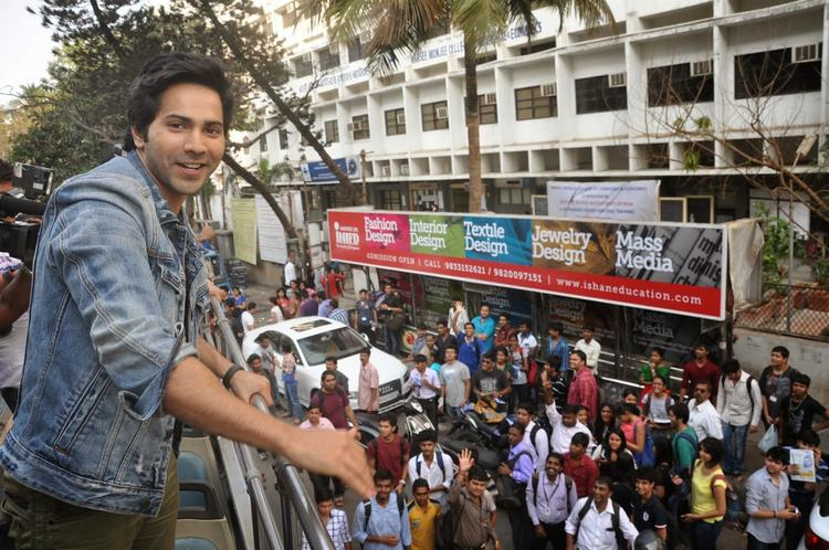 Varun Dhawan Smiling Cute Look On Open Bus During The Promotion Of Main Tera Hero On Bus Ride