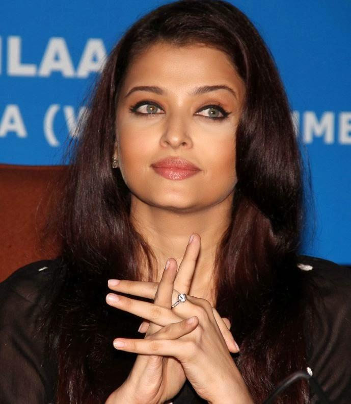 Aishwarya Rai Bachchan In A Pensive Mood At The Press Conference For UNAIDS Country Mission On HIV