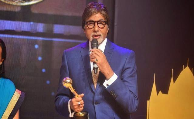Big B Addresses The Media After Receive The Awards At The First Edition Of Times Now ICICI Bank NRI Of The Year Awards 2014 Ceremony