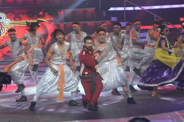 Bollywood Hunk Shahid Kapoor Gave An Electrifying Performance During The Finale Of Fbb Femina Miss India 2014