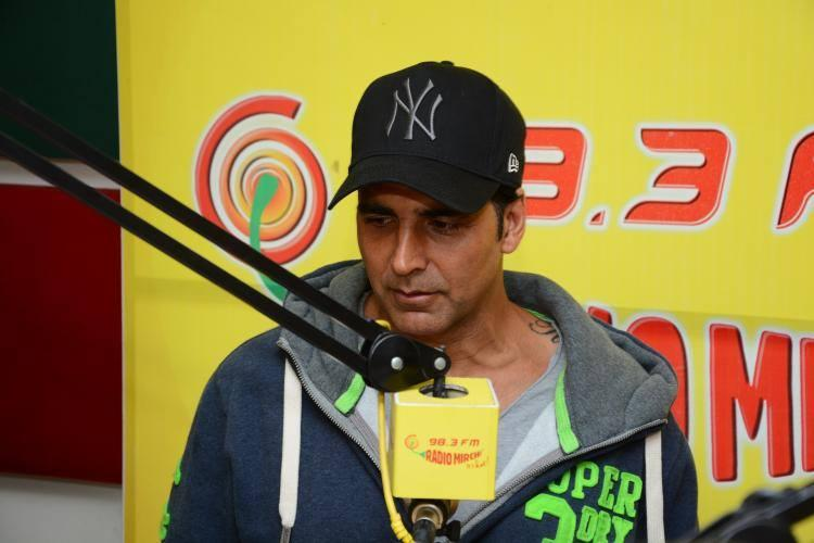 Akshay Kumar Handsome Look During The Promotion Of Holiday Movie At 98.3 FM Radio Mirchi