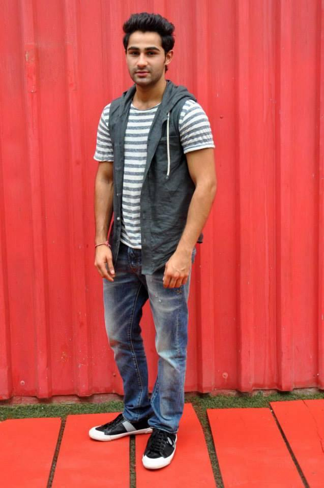 Chocolate Boy Armaan Jain At One Of The Famous Youth Hangouts, Smaash For Movie Promotion