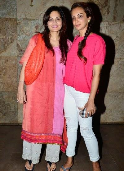 Alvira Khan With Seema Khan Posed With Camera During The Screening Of Humpty Sharma Ki Dulhania