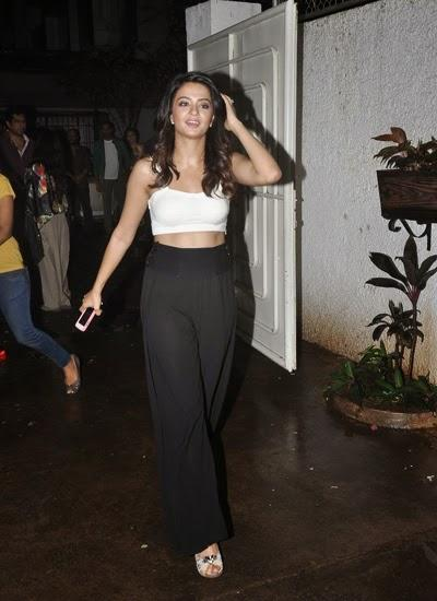 Hot Surveen Chawla Snapped At Special Screening Of Hate Story 2