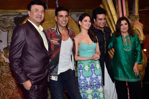 Anu,Akshay,Tamannaah,Krushna And Farah Clicked On Entertainment Ke Liye Kuch Bhi Karega Sets