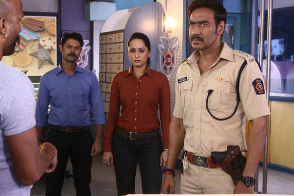 Ajay Devgan Shoots On The Sets Of CID For Singham Returns Promotion