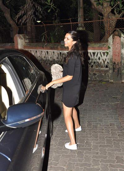 Deepika Padukone On Happy Mood Spotted At Mumbai