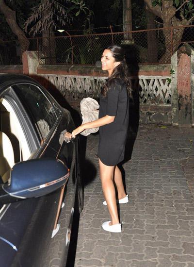 Deepika Padukone Snapped At Badlapur Wrapup Bash