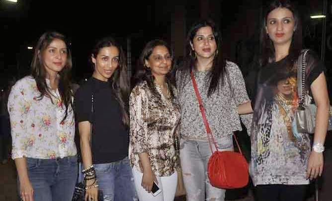 Malaika Arora Khan With Friends Clicked During The Finding Fanny Screening Hosted By Homi Adjania