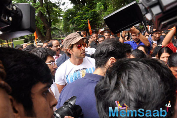 Hrithik Roshan Arrived To Inaugurate Dino Morea 10th Fitness Station