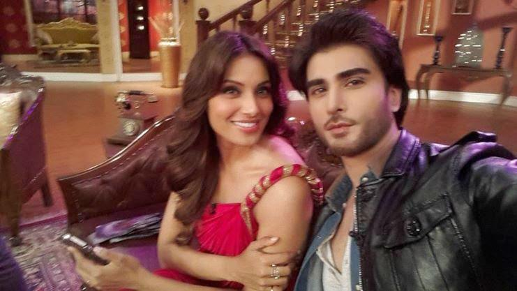 Bipasha Basu And Imran Abbas Taking Selfie During The Promotion Of Creature 3D On CNWK