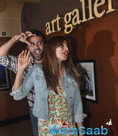 Harman Baweja Tried To Pose Like The Creature For A Photo Op