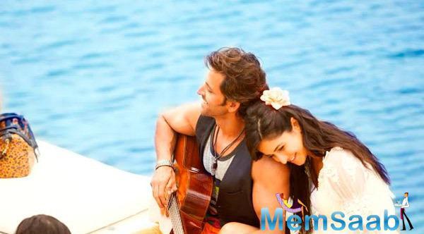 Hrithik Roshan And Katrina Kaif Romantic Still In Bang Bang Movie Tamil Posters