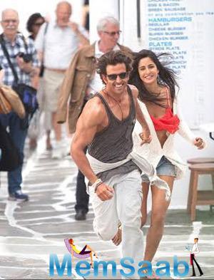 Hrithik Roshan And Katrina Kaif Sizzling Look In Bang Bang Movie Tamil Wallpaper