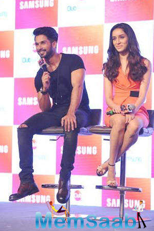 Shahid Kapoor And Shraddha Kapoor Promote Their Upcoming Flick Haider At The Launch Of Club Samsung