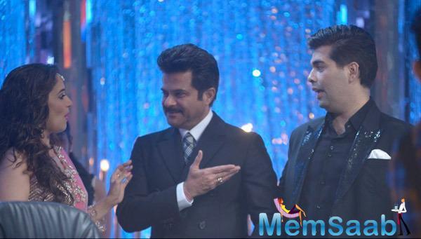 Anil Kapoor,Madhuri Dixit And Karan Johar Talking Each Other On The Sets Of JDJ 7 Grand Finale