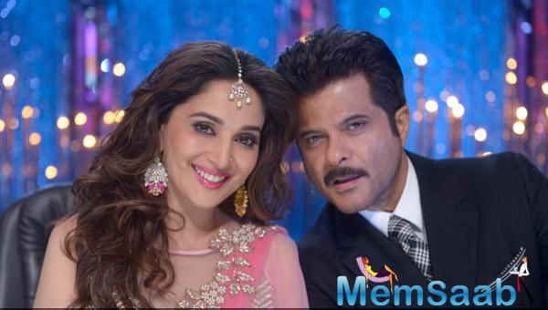 Madhuri Dixit And Anil Kapoor Smiles For Picture At JDJ 7 Grand Finale