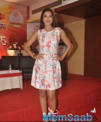 Gauhar Khan Looks Very Cute In This Outfit At Country Club New Year Bash Media Meet