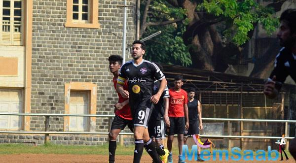 Dino Morea Snapped Playing Football At Scared Heart Boys High School