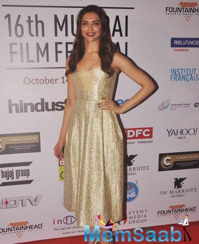 Deepika Padukone Styled By Shaleena Nathani During The Opening Ceremony Of 16th Mumbai Film Festival 2014