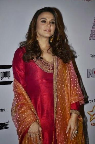 Actress Preity Looked Pretty In A Red And Pink Salwaar-Kameez At Mumbai Film Festival 2014 Day 5