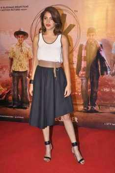 Anushka Sharma Posed On Red Carpet During The Trailer Launch Of Film PK