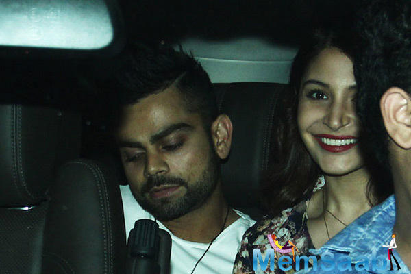 Virat Kohli And Anushka Sharma Supported FC Goa Against Hrithik Roshan Team
