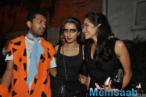 Shraddha Kapoor Posed With Friends At Nido Halloween Night Bash