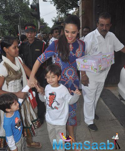 Tara Sharma Got Her Sons For The Party