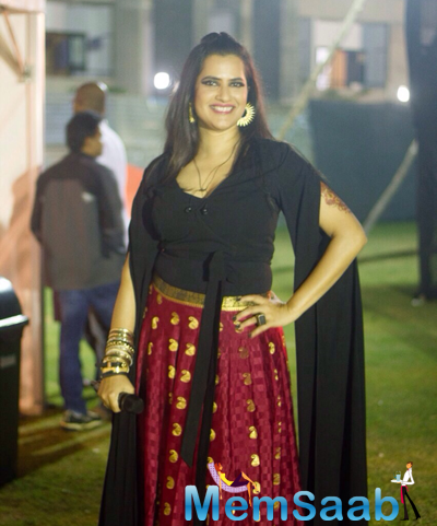 Smiling Sona Mohapatra Posing For Shutterbug At IIM Bangalore