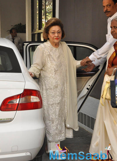 Late Raj Kapoor Wife Krishna Raj Kapoor Arrives For Christmas Party