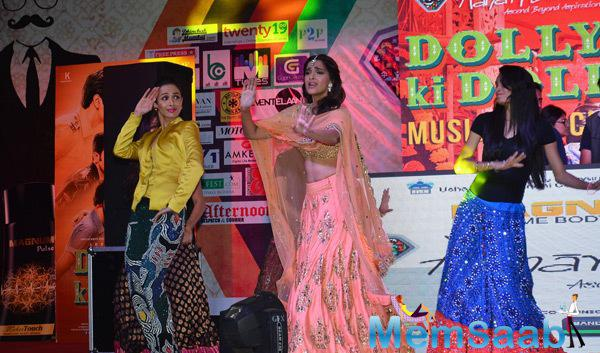 Sonam And Malaika Dance On Stage During DKD Music Launch Event