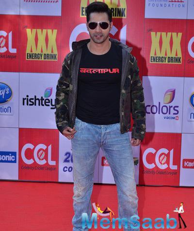 Varun Dhawan Handsome Look At CCL Red Carpet 2015