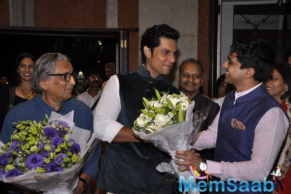 Randeep Hooda Welcome Pic At An Art Exhibition As A Guest