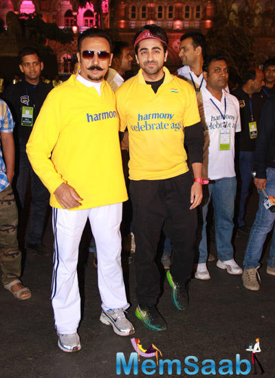 Gulshan Grover And Ayushmann Khurrana Clicked At The Standard Chartered Mumbai Marathon 2015