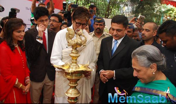 Amitabh Bachchan And Jaya Bachchan Lighting The Diyas At The Launch Of Eye Care Technology