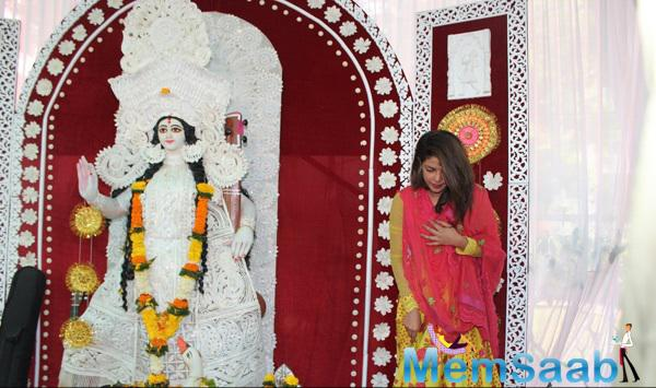 Priyanka Chopra Blessing From Goddess At Anurag Basu Saraswati Puja