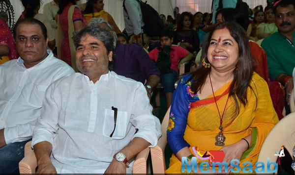 Vishal Bhardwaj And Wife Rekha Bhardwaj Smiling Look At Anurag Basu Residence On The Occasion Of Saraswati Puja