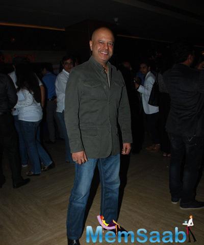 Raghu Ram Posed For Camera At The Special Screening Of Hawaizaada Movie