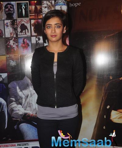 Akshara Haasan Dazzling Look During The Promotion Of Shamitabh Movie At Mehboob Studio