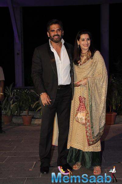 Sunil And Mana Shetty Arrive To Bless The Newly Weds At Smita Thackerey Son Wedding Reception