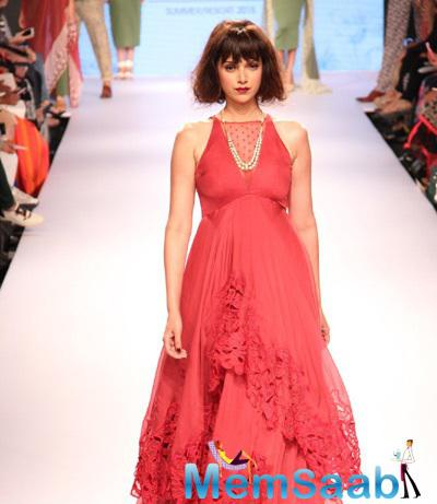 Aditi Rao Hydari Looks Radiant In This Gown During The LFW 2015 Event