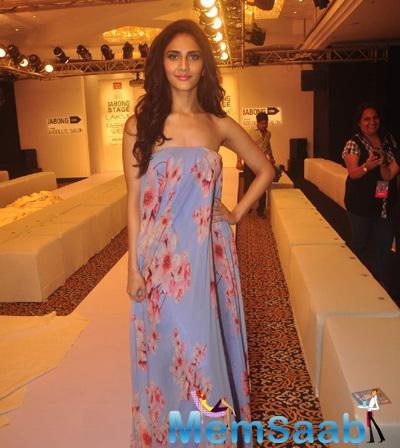 Vaani Kapoor Looks Glamour  At The Opening Night Of LFW 2015
