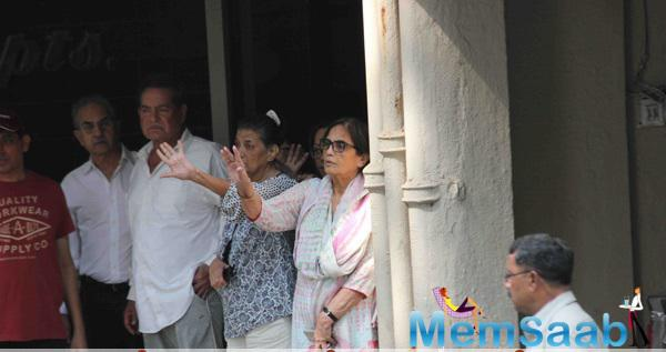 Salim Khan And Other Family Member Paid Bye Salman