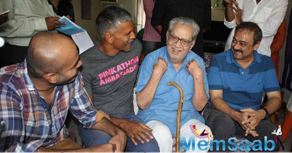 Milind Soman,Sachin Khedekar And Others Cool Look At The Press Conference Of Nagrik Movie
