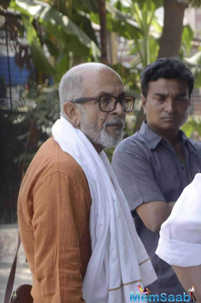 Veteran TV Actor Deepak Qazir Who Has A Number Of Hit Shows To His Credit At The Funeral