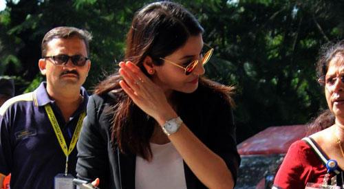 Anushka Sharma Spotted At Mumbai Airport