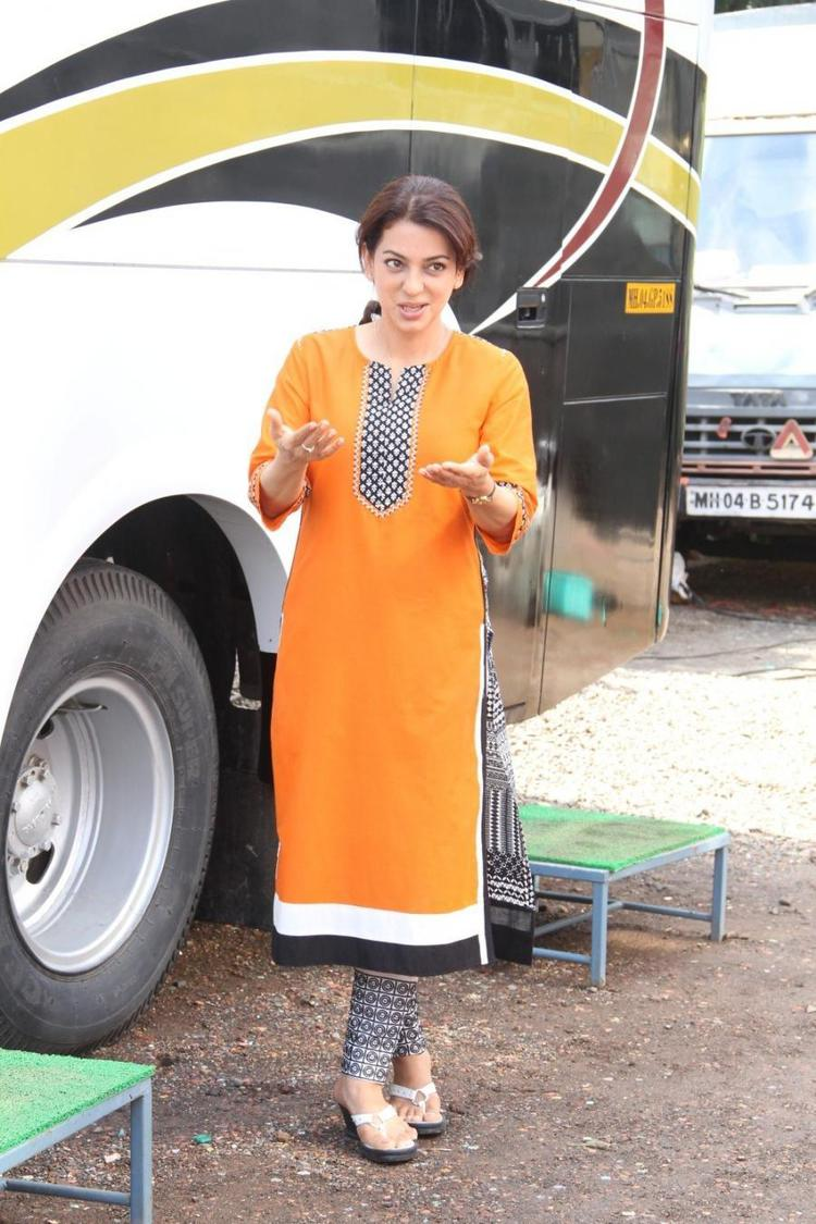 Juhi Chawla Addresses The Media On The Sets Of Her New Movie