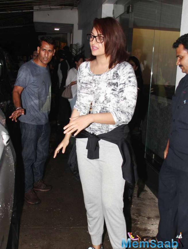 Sonakshi Sinha With Cool And Casual Looks Spotted At ABCD 2 Special Screening